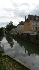 La Serein river in Chablis